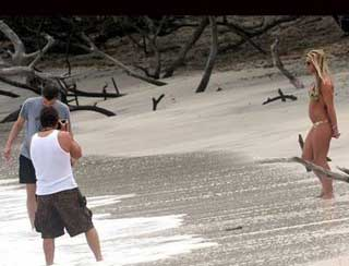 paparazi in costa rica with britney spears